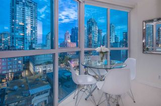 "Photo 6: 807 1188 HOWE Street in Vancouver: Downtown VW Condo for sale in ""1188 Howe"" (Vancouver West)  : MLS®# R2182097"