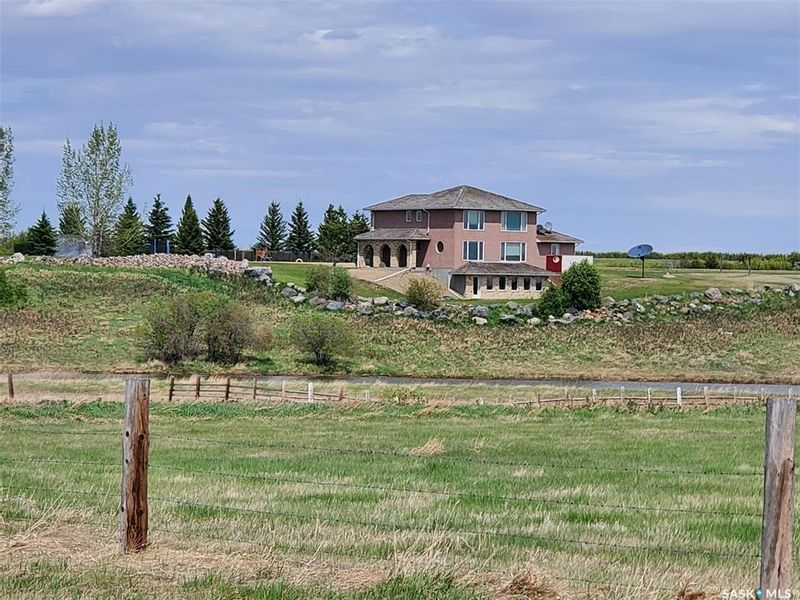 FEATURED LISTING: Halter Acreage Tramping Lake