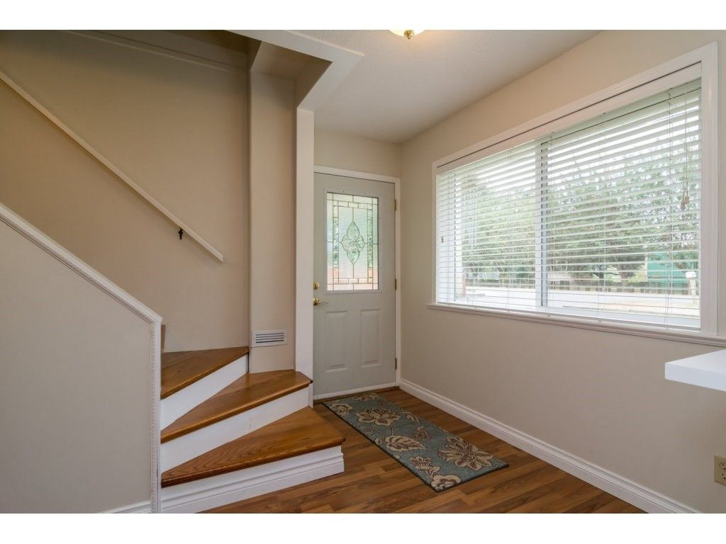 Photo 3: Photos: 9058 WRIGHT Street in Langley: Fort Langley House for sale : MLS®# R2104173