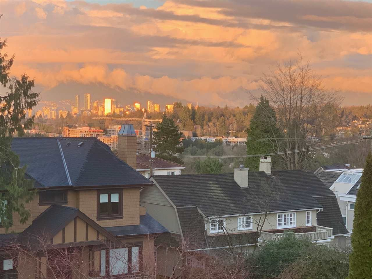 Main Photo: 2388 W 34 Avenue in Vancouver: Quilchena House for sale (Vancouver West)  : MLS®# R2431261