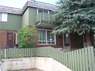 Photo 2: 6 124 SABRINA Way SW in CALGARY: Southwood Townhouse for sale (Calgary)  : MLS®# C3552564