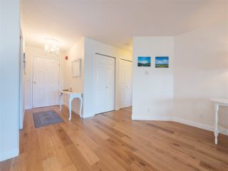 Photo 4: 204 1327 BEST STREET: White Rock Condo for sale (South Surrey White Rock)  : MLS®# R2290603