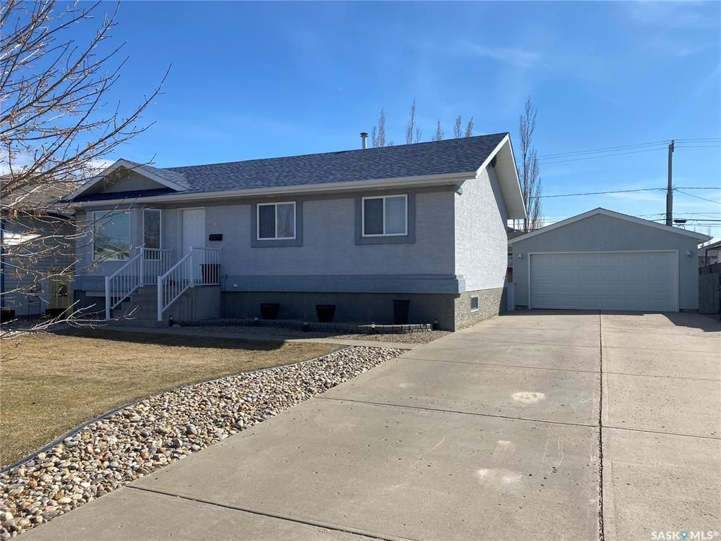 Main Photo: 31 16th Street in Battleford: Residential for sale : MLS®# SK850126
