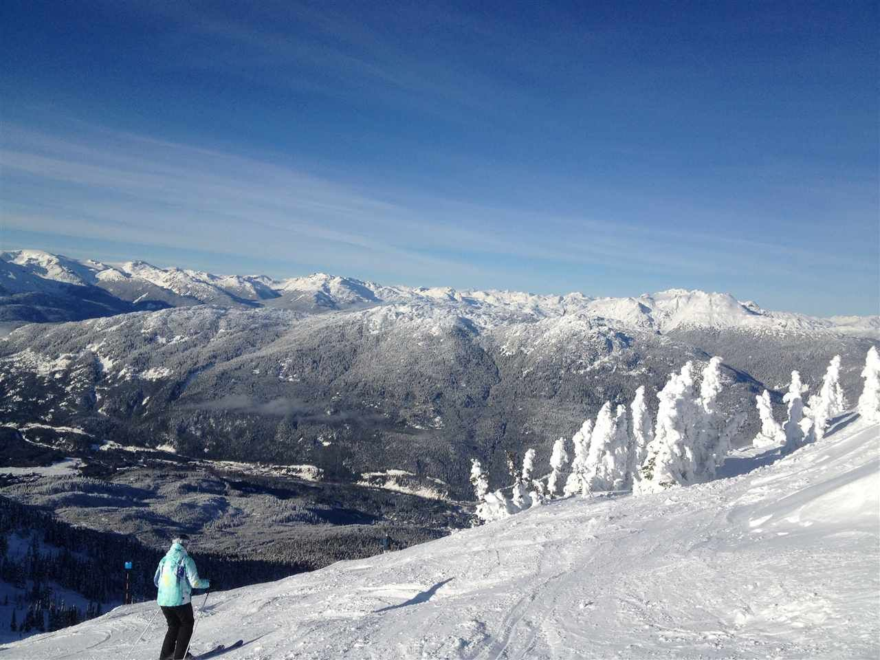 """Main Photo: 508 4557 BLACKCOMB Way in Whistler: Benchlands Condo for sale in """"LE CHAMOIS"""" : MLS®# R2012384"""