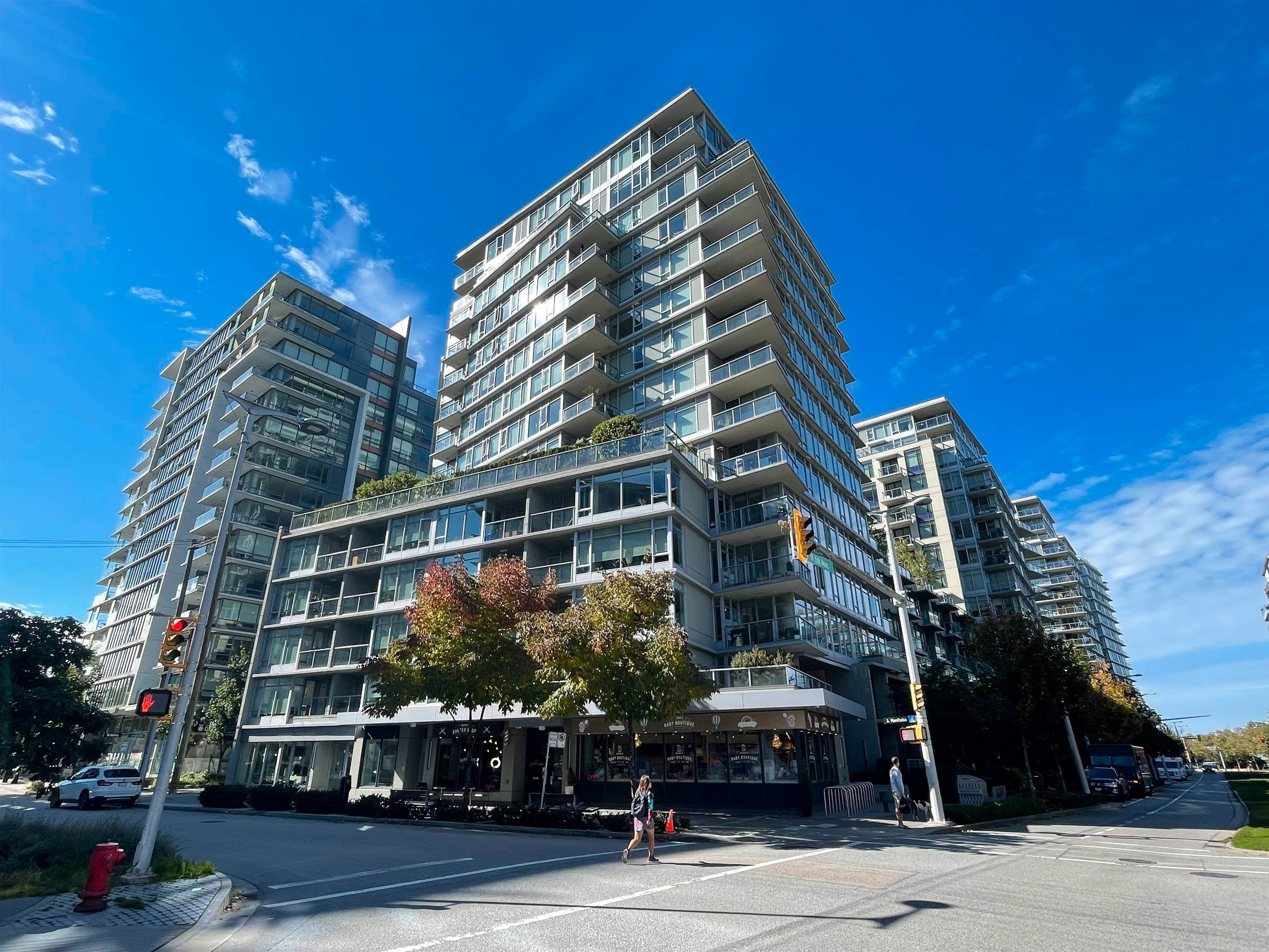 """Main Photo: 251 108 W 1ST Avenue in Vancouver: False Creek Townhouse for sale in """"WALL CENTRE FALSE CREEK EAST TOWER"""" (Vancouver West)  : MLS®# R2620424"""