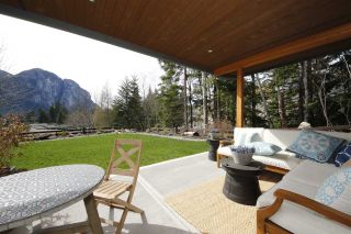 """Photo 19: 38507 SKY PILOT Drive in Squamish: Plateau House for sale in """"Crumpit Woods"""" : MLS®# R2048209"""