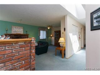 Photo 2: 1222 Alan Rd in VICTORIA: SW Layritz House for sale (Saanich West)  : MLS®# 637712