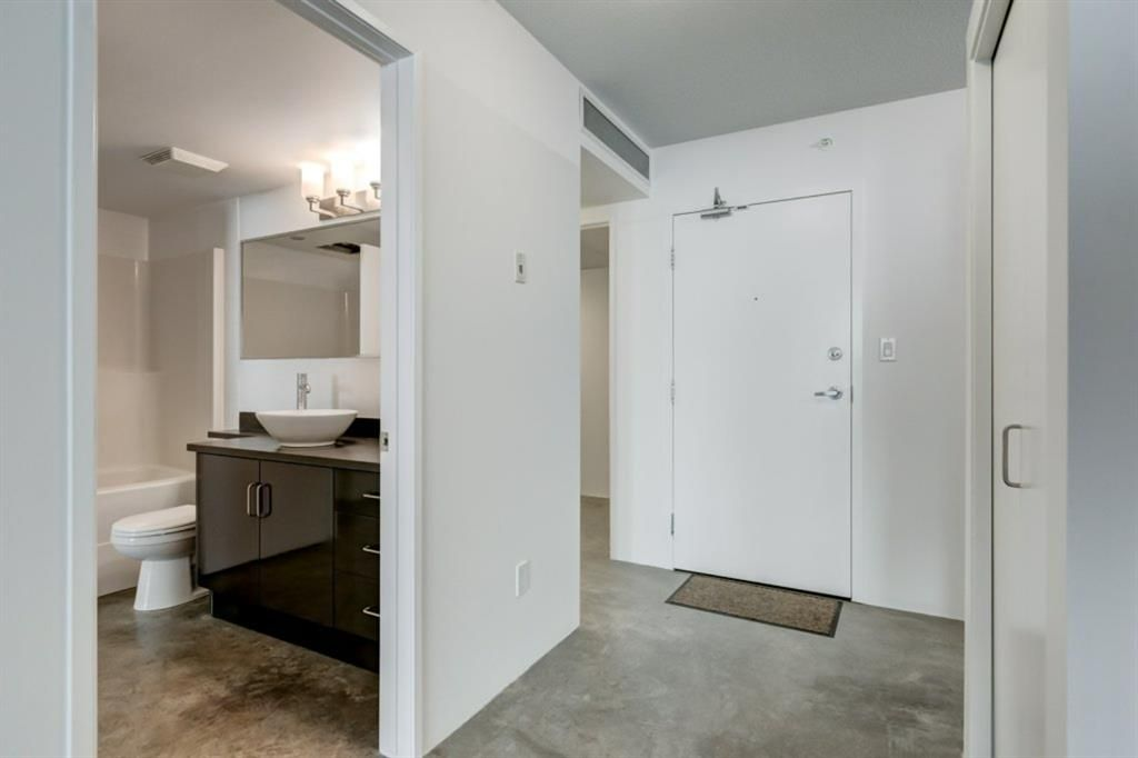 Photo 3: Photos: 310 188 15 Avenue SW in Calgary: Beltline Apartment for sale : MLS®# A1129695