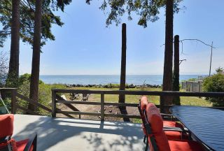 """Photo 10: 4485 STALASHEN Drive in Sechelt: Sechelt District Manufactured Home for sale in """"Tsawcome Properties"""" (Sunshine Coast)  : MLS®# R2574655"""