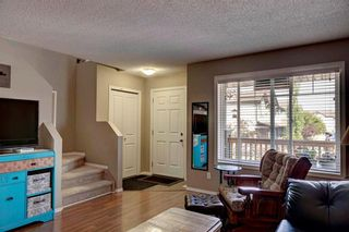 Photo 5: 67 105 DRAKE LANDING Common: Okotoks House for sale : MLS®# C4163815