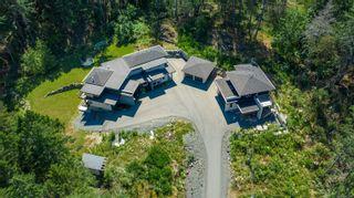 Photo 2: 1790 York Ridge Pl in : Hi Western Highlands House for sale (Highlands)  : MLS®# 863600