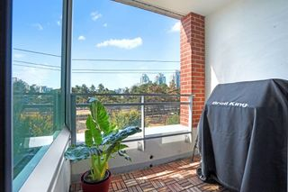 """Photo 4: 415 221 UNION Street in Vancouver: Strathcona Condo for sale in """"V6A/STRATHCONA"""" (Vancouver East)  : MLS®# R2615593"""