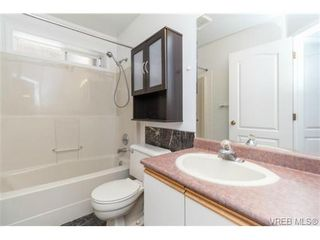 Photo 18: 1283 Santa Rosa Ave in VICTORIA: SW Strawberry Vale House for sale (Saanich West)  : MLS®# 705878