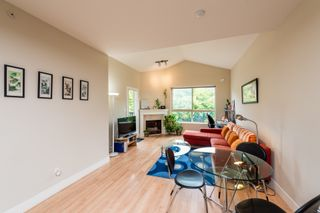 """Photo 4: 308 3895 SANDELL Street in Burnaby: Central Park BS Condo for sale in """"Clarke House Central Park"""" (Burnaby South)  : MLS®# R2287326"""
