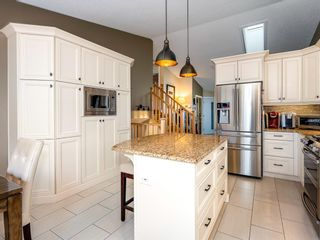 Photo 11: 101 Appleside Close SE in Calgary: Applewood Park Detached for sale : MLS®# A1128476
