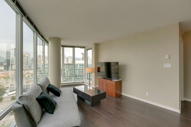 Photo 2: Photos: 2303 602 CITADEL Parade in Vancouver West: Downtown VW Home for sale ()  : MLS®# R2078141