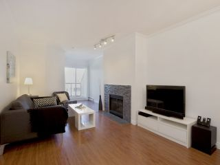 """Photo 1: 307 3638 W BROADWAY Street in Vancouver: Kitsilano Condo for sale in """"CORAL COURT"""" (Vancouver West)  : MLS®# R2354211"""