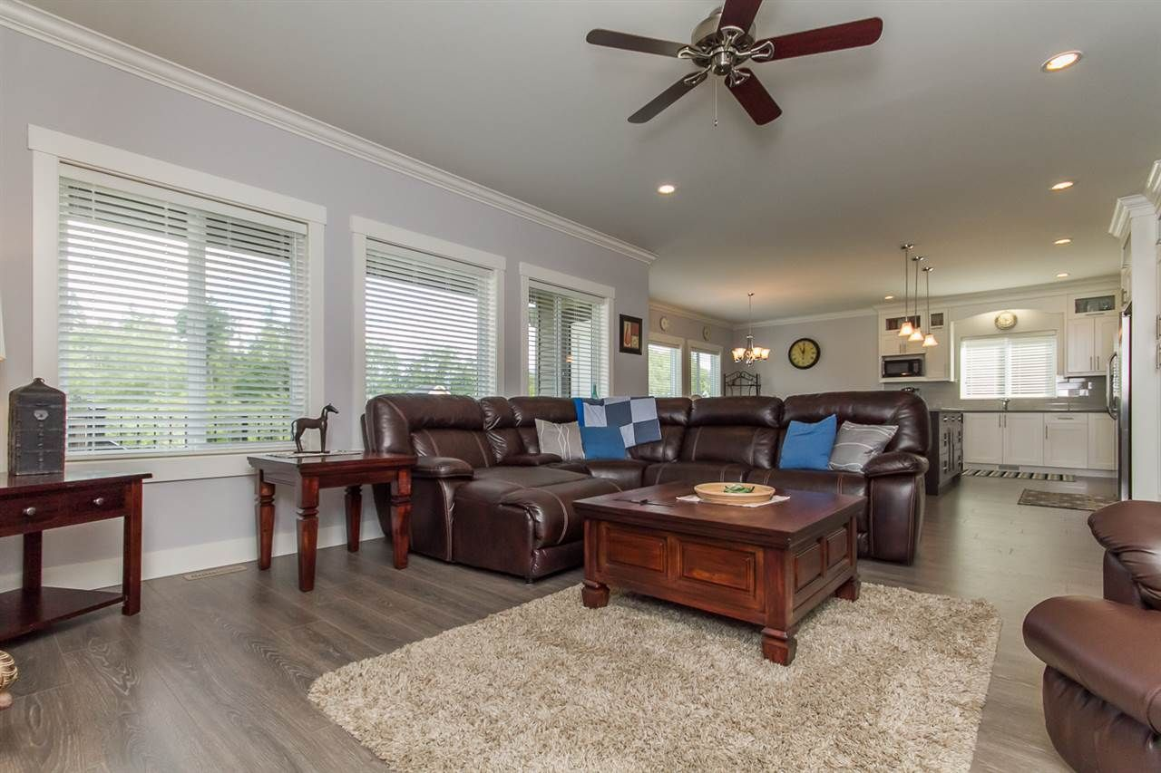 Photo 18: Photos: 33925 MCPHEE Place in Mission: Mission BC House for sale : MLS®# R2519119