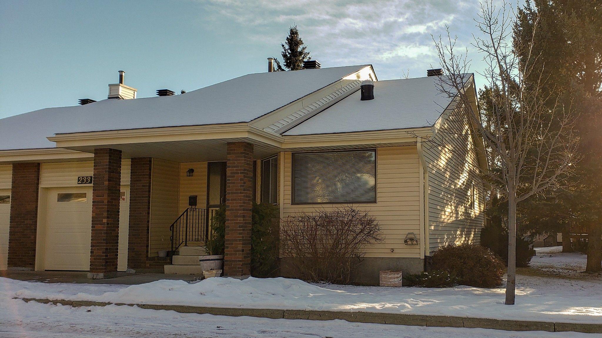 Main Photo:  in Edmonton: House Half Duplex for sale