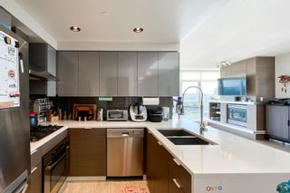 """Photo 5: 2505 1483 HOMER Street in Vancouver: Yaletown Condo for sale in """"THE WATERFORD BY CONCORD PACIFIC"""" (Vancouver West)  : MLS®# R2625455"""