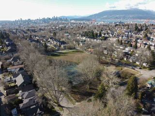 Photo 8: 2205 E 1ST Avenue in Vancouver: Grandview Woodland House for sale (Vancouver East)  : MLS®# R2544354