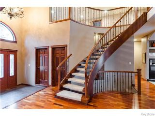 Photo 3: 71 McDowell Drive in Winnipeg: Charleswood Residential for sale (South Winnipeg)  : MLS®# 1600741