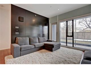 Photo 4: 105 414 MEREDITH Road NE in Calgary: Crescent Heights Condo for sale : MLS®# C4050218