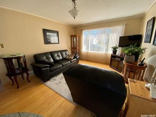Photo 2: 1033 Macklem Drive in Saskatoon: Massey Place Residential for sale : MLS®# SK854085