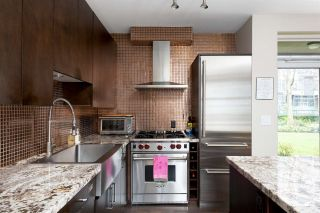 """Photo 7: 1009 HOMER Street in Vancouver: Yaletown Townhouse for sale in """"The Bentley"""" (Vancouver West)  : MLS®# R2542443"""