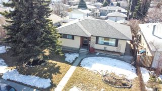 Photo 1: 2115 Mackid Crescent NE in Calgary: Mayland Heights Detached for sale : MLS®# A1080509
