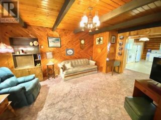 Photo 11: 1782 BALSAM AVENUE in Quesnel: House for sale : MLS®# R2617752