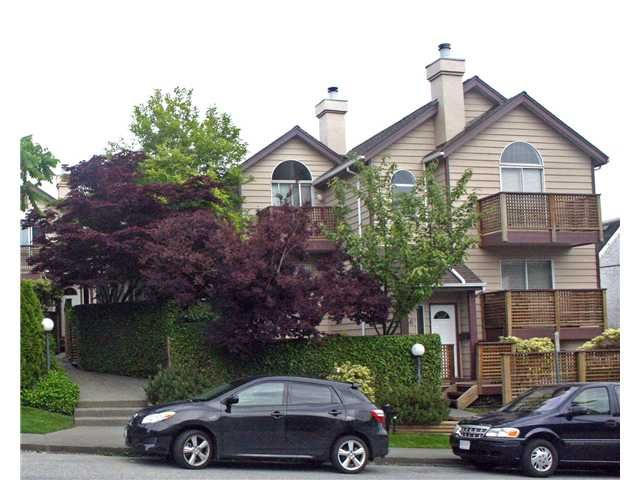 """Main Photo: 642 ST GEORGES Avenue in North Vancouver: Lower Lonsdale Townhouse for sale in """"ST GEORGES COURT"""" : MLS®# V899118"""