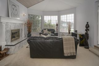 Photo 4: 2259 PARADISE Avenue in Coquitlam: Coquitlam East House for sale : MLS®# R2465213