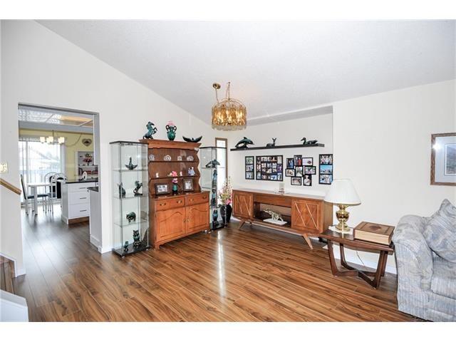 Photo 3: Photos: 236 CEDARGROVE Court SW in Calgary: Cedarbrae House for sale : MLS®# C4104761
