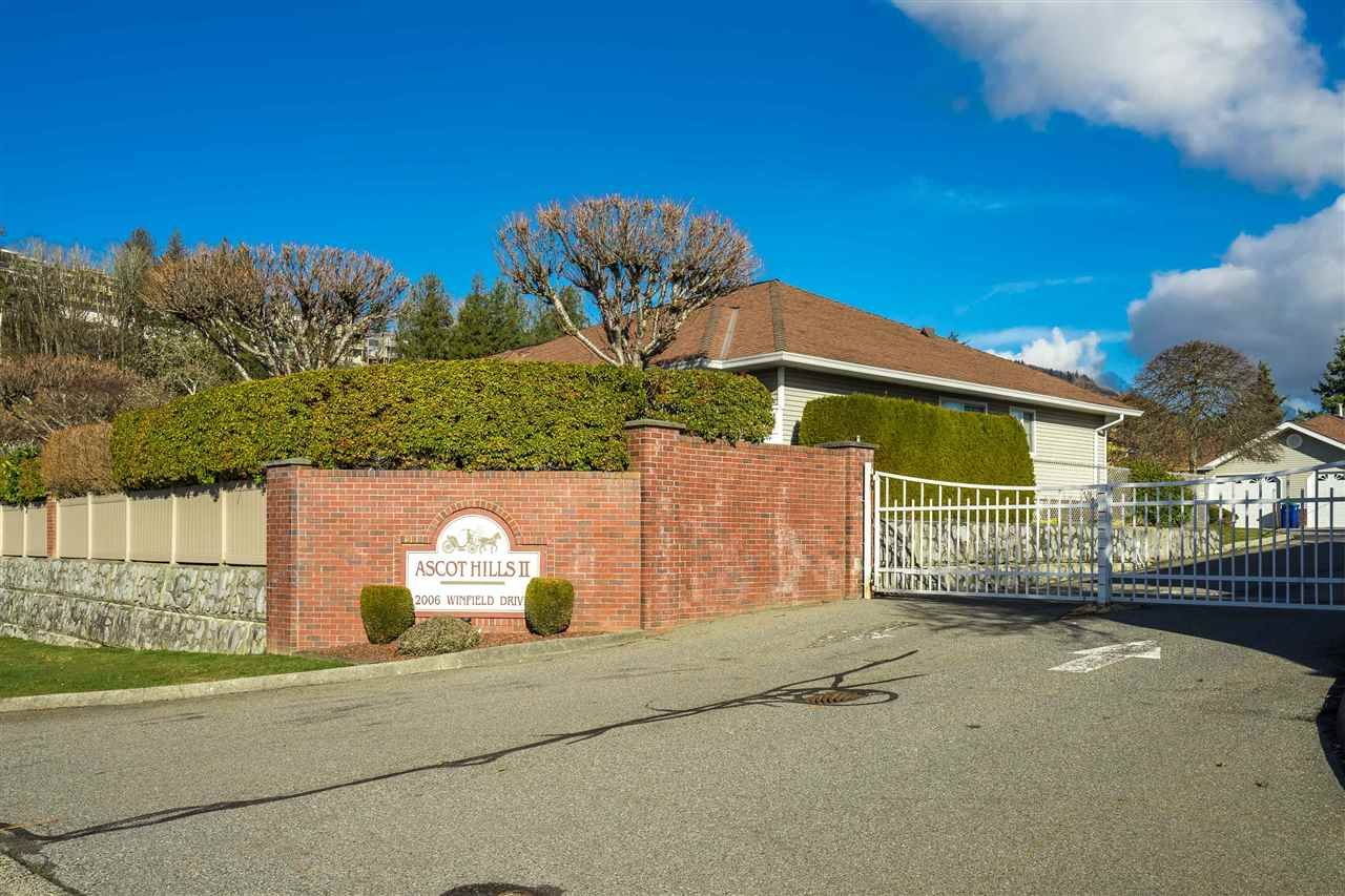 """Main Photo: 7 2006 WINFIELD Drive in Abbotsford: Abbotsford East Townhouse for sale in """"Ascot Hills II"""" : MLS®# R2530483"""