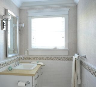 """Photo 13: 365 GLYNDE Avenue in Burnaby: Capitol Hill BN House for sale in """"CAPITAL HILL"""" (Burnaby North)  : MLS®# R2029979"""