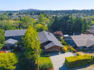 Photo 2: 2516 Sooke Rd in : Co Triangle House for sale (Colwood)  : MLS®# 879338