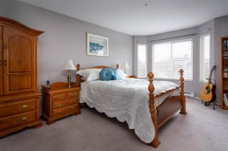 """Photo 4: 407 20443 53 Avenue in Langley: Langley City Condo for sale in """"COUNTRY SIDE ESTATES"""" : MLS®# R2150486"""