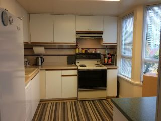 """Photo 9: 701 6152 KATHLEEN Avenue in Burnaby: Metrotown Condo for sale in """"EMBASSY"""" (Burnaby South)  : MLS®# R2318855"""