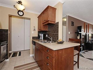 Photo 6: 204 1121 Esquimalt Rd in VICTORIA: Es Saxe Point Condo for sale (Esquimalt)  : MLS®# 605948