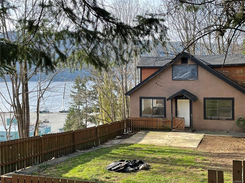 FEATURED LISTING: 2806 2nd Ave