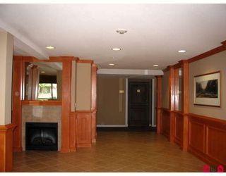 "Photo 3: 104 2167 152ND Street in Surrey: Sunnyside Park Surrey Condo for sale in ""MUIRFIELD GARDENS"" (South Surrey White Rock)  : MLS®# F2822667"