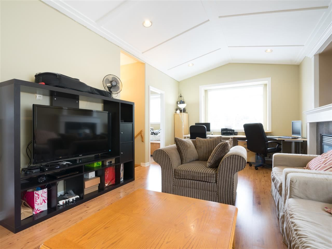 Photo 4: Photos: 2052 WESTVIEW Drive in North Vancouver: Central Lonsdale House for sale : MLS®# R2530544
