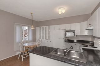 Photo 3: 206 920 Saskatoon Road in Kelowna: Rutland South Multi-family for sale (Central Okanagan)  : MLS®# 10211030