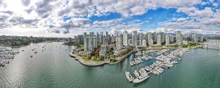 """Photo 39: TH117 1288 MARINASIDE Crescent in Vancouver: Yaletown Townhouse for sale in """"Crestmark I"""" (Vancouver West)  : MLS®# R2625173"""