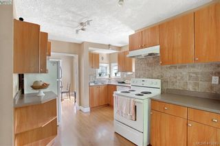 Photo 2: A 2974 Pickford Rd in VICTORIA: Co Hatley Park Half Duplex for sale (Colwood)  : MLS®# 819516