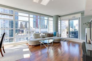 """Photo 2: 1505 1205 W HASTINGS Street in Vancouver: Coal Harbour Condo for sale in """"BCS2555"""" (Vancouver West)  : MLS®# R2617335"""