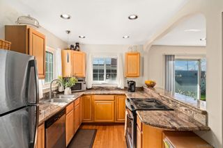 Photo 9: CLAIREMONT House for sale : 4 bedrooms : 4296 Mount Putman Ave in San Diego