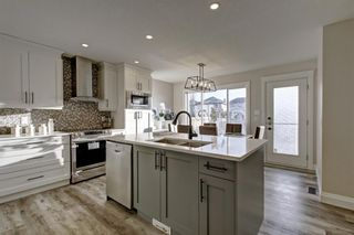 Photo 3: 15 Evansmeade Common NW in Calgary: Evanston Detached for sale : MLS®# A1153510