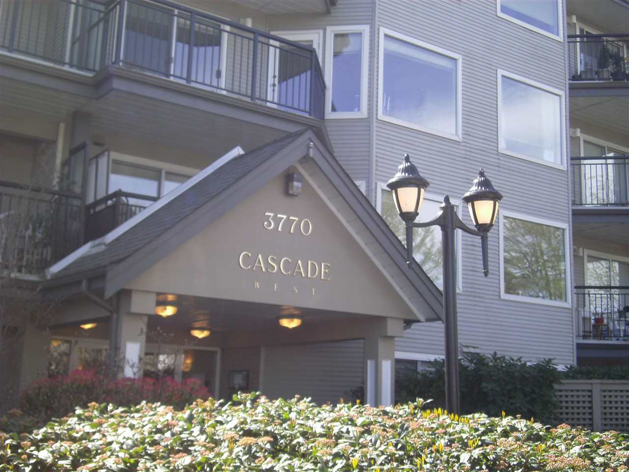 "Main Photo: 208 3770 MANOR Street in Burnaby: Central BN Condo for sale in ""CASCADE WEST"" (Burnaby North)  : MLS®# R2050454"